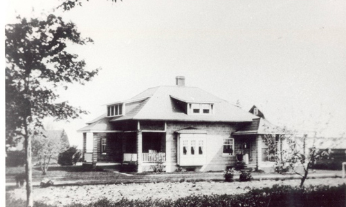 Classic-Rock-Face-Rusticated-Concrete-Sears-Block-House-Bungalow-Newly-Constructed
