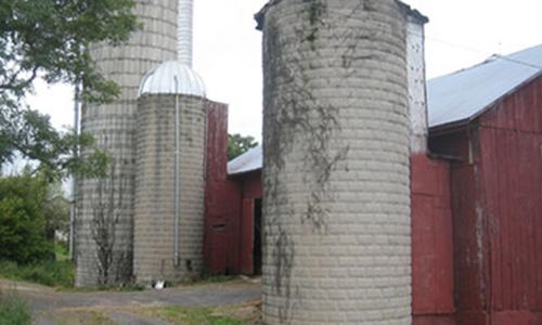 Classic Rock Face Rusticated Concrete Sears Block Farm Barn Silo